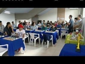 Liga Brasileira de Xadrez promove torneio em Governador Valadares - O evento reuniu quarenta atletas da região.