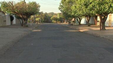 Vítima reage a assalto, fere suspeito e quatro são presos por tentativa de roubo em MS - Homem reagiu a roubo na Vila Carlota e feriu um dos ladrões, segundo a polícia.