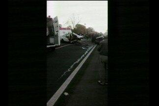 Três pessoas morrem em acidente na BR-392, em Sete de Setembro, RS - A colisão frontal foi na noite de domingo (6/8).