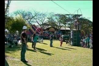 Domingo no parque reúne centenas de pessoas em Santa Rosa, RS - Dezenas de atividades foram oferecidas para a comunidade em comemoração ao aniversário da cidade.