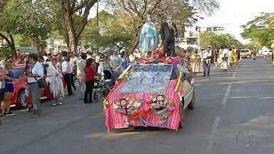 Moradores em Corumbá e Ladário homenageiam padroeira da Bolívia - Celebração para a Virgem de Copacabana é realizada há 15 anos. Muita gente participa.