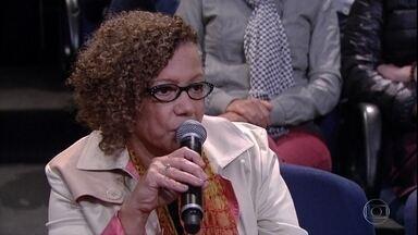 Rita Chaves fala sobre a importância do trabalho de Mia Couto para Moçambique - Professora afirma que escritor consegue tratar dos problemas de seu país