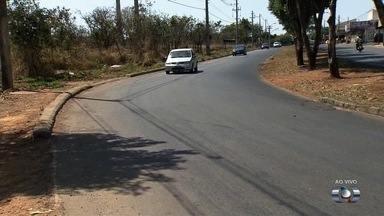 Moradores cobram redutor de velocidade em curva perigosa do Setor Rio Formoso, em Goiânia - Avenida São Luiz é alvo de muitos acidentes devido à curvas íngremes.