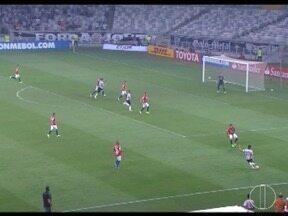 Esporte: Atlético é desclassificado da Libertadores após empate - Cruzeiro se prepara para a rodada do Brasileirão.