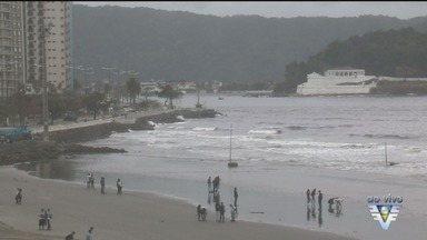 Tempo muda e traz risco de ondas altas e ressaca na Baixada Santista - Mar já começa a ficar agitado nesta quinta (10). A previsão é de ondas superiores a 3,4 metros nesta sexta-feira (11).