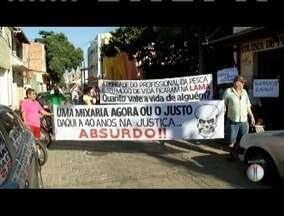 Pescadores voltam a bloquear linha férrea cobrando indenizações em Governador Valadares - Grupo pede mais agilidade no pagamento de indenizações por prejuízos após contaminação do Rio Doce por rejeitos de minério.