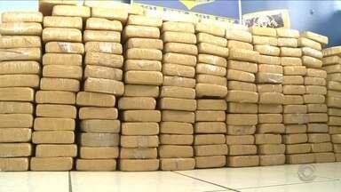 Caminhonete é apreendida com 156 kg de cocaína em Joinville, diz Receita Federal - Caminhonete é apreendida com 156 kg de cocaína em Joinville, diz Receita Federal