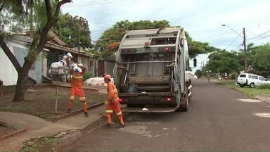 Gaeco denuncia possível fraude em licitação para contratar empresa que faz coleta de lixo - Funcionários da prefeitura de Cascavel teriam feito parte do esquema.