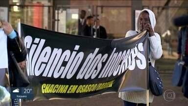 Mães de vítimas da chacina de Osasco-Barueri fazem protesto na Avenida Paulista - No domingo (12), o caso completa dois anos. E no mês que vem, três PMs e um guarda civil de Barueri acusados pelos crimes serão julgados.