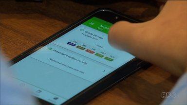 Estudantes de escolas públicas do Paraná ganham novo aplicativo - Pais e estudantes vão poder acompanhar notas e frequências pelo aplicativo.