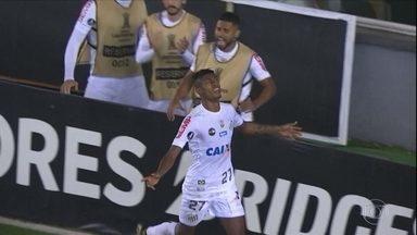 Santos toma sufoco, mas vence o Atlético-PR e avança para a próxima fase da Libertadores - Santos toma sufoco, mas vence o Atlético-PR e avança para a próxima fase da Libertadores