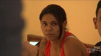 Mulher é presa em Caxias com 80 kg de maconha - Mulher que viajava em um ônibus de turismo na BR-316, em Caxias, foi presa com cerca de 80 kg de maconha.