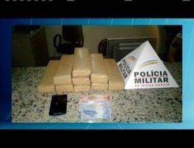 Motociclista é preso em Governador Valadares com nove quilos de maconha - O motociclista foi preso em flagrante.