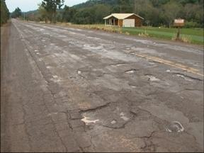 Obras de restauração da RS 324 não avançaram - A rodovia entre Passo Fundo e Casca continua em péssimas condições