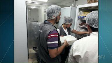 Procon encontra 190 kg de alimentos vencidos em restaurantes - Estabelecimentos foram multados e têm dez dias para apresentar defesa