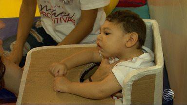 Profissionais da saúde criam adequador postural para crianças com microcefalia - Profissionais de saúde de todo o país se reuniram no Senai-Cimatec, em Salvador.