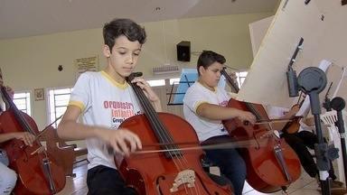Dois músicos de Campo Grande tocarão com Orquestra Boliviana de São José de Chiquitos - Os jovens da Fundação Ueze Zahran foram selecionados para a apresentação. Orquestra no sábado (12) às 14h.