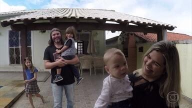 Meu bom vizinho: família decide homenagear Dona Teresinha - Fábio Basso ajuda a família a transformar a casa da vizinha