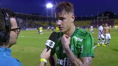 """Roger Guedes: """"Nosso objetivo é ficar no G4"""" - Atacante do Palmeiras fala sobre campanha no primeiro turno e projeta reta final do Brasileirão."""