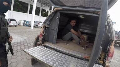 Suspeito de ser maior invasor de terras de Rondônia é preso - Operação teve confronto e disparos contra helicóptero da PM. Homem estava vendendo terrenos dentro de unidade de conservação.