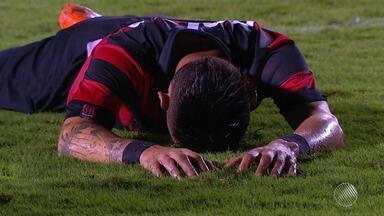 Sob forte pressão, Vitória enfrenta o líder Corinthians no sábado (19) - Time viaja para São Paulo no começo da tarde desta sexta-feira (18).