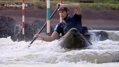 De férias, mas nunca longe do esporte - Canoísta olímpico Felipe Borges aproveita os dias de descanso em Foz do Iguaçu para relembrar como a carreira dele começou