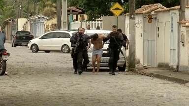 Preso no RJ traficante do Amazonas suspeito de negociar armas para bandidos do Jacarezinho - O traficante foi preso pela polícia em Rio das Ostras e é suspeito de negociar armas para bandidos do Jacarezinho.