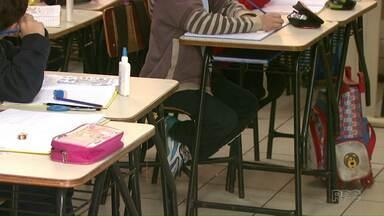 Associações de Pais e Mestres de escolas e creches de Londrina são multadas pela Receita - A Receita Federal multou mais da metade das Associações municipais por irregularidades na documentação.