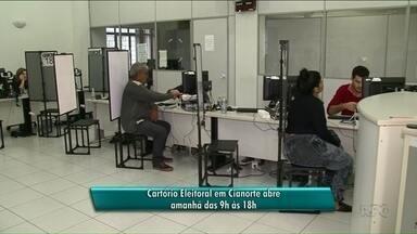 Cartório Eleitoral de Cianorte abre neste domingo para cadastro da biometria - Eleitores de Cianorte, Indianópolis, Japurá, Jussara, São Tomé e São Manoel do Paraná devem atualizar o título de eleitor. A seis dias do fim do prazo, altam 26 mil pessoas para o cadastro.