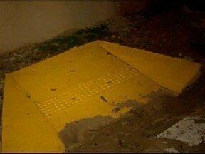 Rampas em calçadas de Flórida Paulista geram indignação - Moradores questionam forma como obra foi realizada.