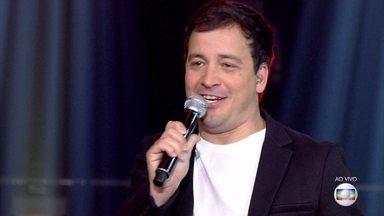 Rafael Cortez anima o 'PopStar' com música de Wilson Simonal - Apresentador solta a voz com 'Galha do Cajueiro'
