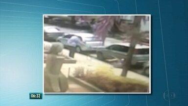 Imagens mostram momento em que delegado reage a assalto e atira em suspeito, em Boa Viagem - Caso aconteceu no domingo e suspeito morreu