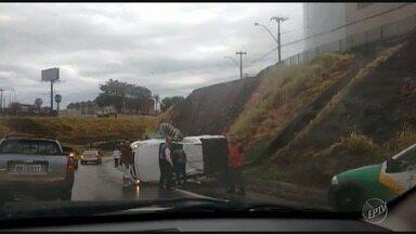 Rodovias da região registram acidentes no fim de semana - Telespectadores enviaram vídeos dos casos.