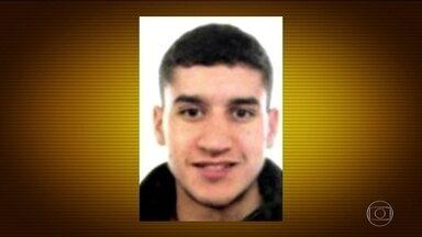 Espanha revela quem é o terrorista atropelador de Barcelona - O terrorista da van usada no atentado de Barcelona teve as primeiras imagens divulgadas. São fotos feitas por câmera de vigilância logo depois do atropelamento de dezenas de pessoas.