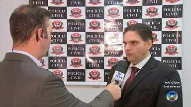 Polícia prende suspeito de mandar matar advogado em Rio Preto - Policiais civis da Delegacia de Investigações Gerais (DIG) e da Delegacia de Investigações Gerais sobre Entorpecentes (Dise) de São José do Rio Preto (SP) prenderam, na noite de sábado (19), o empresário Claudio Yuri Baptista, suspeito de ser o mandante do assassinato do advogado José Arthur Vanzella Seba, morto com tiros na nuca, no 19 de julho, em um loteamento na zona norte de Rio Preto.