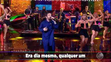 Saulo apresenta novo hit no quadro 'Ding Dong', do Faustão - Veja como foi a apresentação.