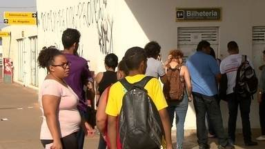 Passageiros não conseguem comprar cartão do BRT em terminal de Santa Maria - Cartão só é vendido no Plano Piloto. É possível apenas recarregar o cartão.