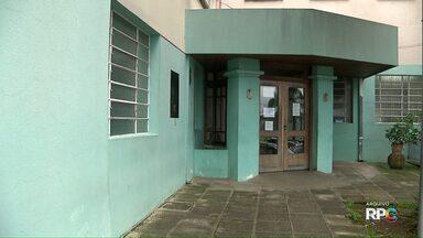 Mulher morre por infecção bacteriana após tomar vacina da gripe - A prefeitura de Curitiba confirmou a morte de uma mulher de 63 anos, ela foi uma das pessoas que sofreu complicações de saúde após tomar a vacina da gripe.