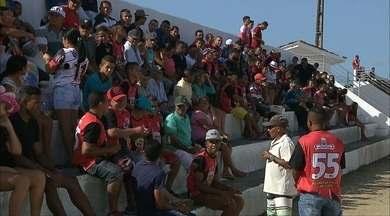 Torcida faz festa para primeira partida do São Paulo Crystal em Cruz do Espírito Santo - Tricolor mudou a rotina da cidade no domingo e manteve os 100% de aproveitamento no Campeonato Paraibano da 2ª Divisão