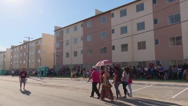Mais de 2 mil habitações do conjunto 'Macapaba 2' são entregues a famílias carentes - Entrega na tarde deste sábado (19) em Macapá contou com o ministro das Cidades, Bruno Araújo.