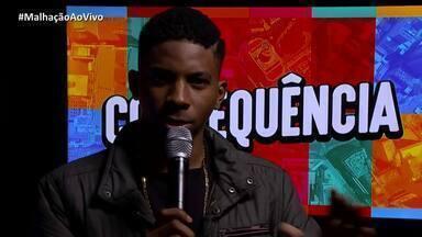 Lucas Penteado paga prenda no 'Jogo da Torre' - Ator defende uso da palavra bolacha