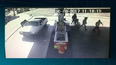 Bandidos são presos após assaltar clientes de posto de combustíveis no Alto Sertão da PB - Um dos clientes é policial e reagiu ao assalto.