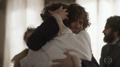 Dom Pedro expulsa Sebastião e Hugo do palácio - Ele abraça Joaquim como seu irmão