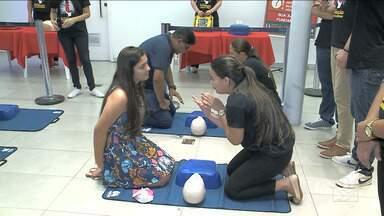 Dia Nacional de Reanimação Cardiopulmonar reúne estudantes em São Luís - Data comemorada em vários estado do país, foi criada em 2013 graças a uma ação de universitários do Maranhão.