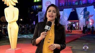 45º Festival de Cinema de Gramado premia vencedores na noite deste sábado (26) - Mostra gaúcha termina com cerimônia de premiação, que será transmitida pelo G1. Curtas e longas-metragens, nacionais e latinos, disputam os kikitos.