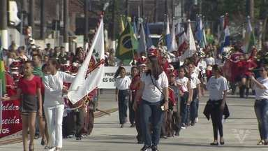 Desfile celebra os 41 anos da Zona Noroeste de Santos - Evento, já tradicional, ocorreu na Passarela do Samba Dráusio da Cruz, neste sábado (26).