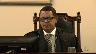 Justiça suspende liminar que afastava conselheiro o Tribunal de Contas do Estado, em Goiás - Edison Ferrari tinha sido afastado a pedido do MP-GO em processo de improbidade administrativa.