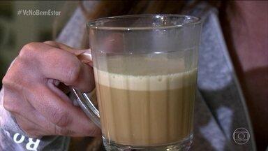 Médicos condenam a moda do bulletproof - Os médicos dizem que uma xícara de café não é suficiente para agir como termogênico. E que a manteiga ghee com óleo de coco, misturados ao café, não ajudam na perda de peso.