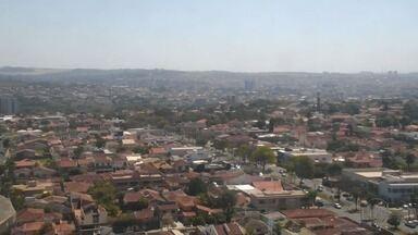 Umidade do ar cai e Ribeirão Preto entra em estado de alerta nesta segunda-feira (28) - Sol predomina e temperatura máxima chega a 34°C.