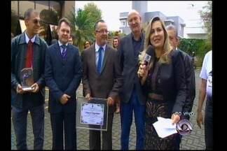 Menção honrosa da Câmara de Vereadores e da Prefeitura - Homenagens marcam os 25 anos da RBS TV.
